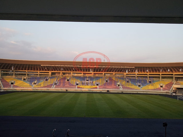 01 Stadion Manahan Solo