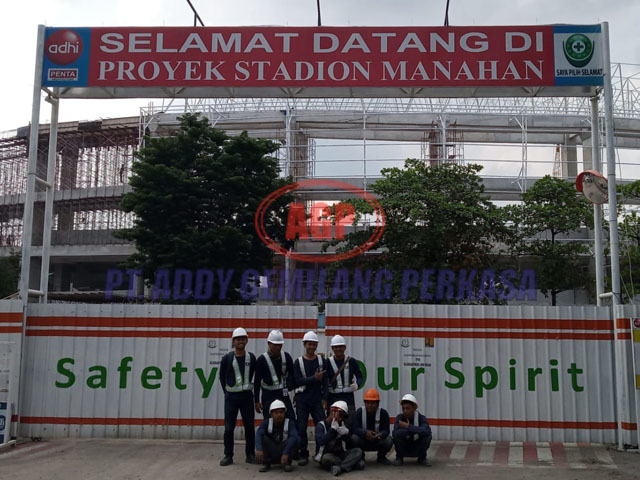 02 Stadion Manahan Solo